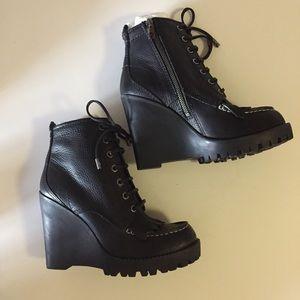NWOT Tory Burch boots